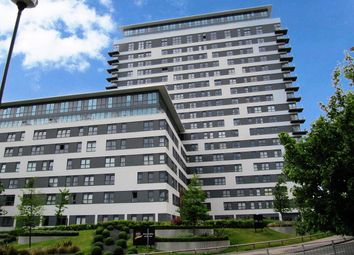 Thumbnail 1 bed flat to rent in Skyline Plaza, Basingstoke