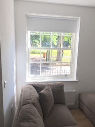 Thumbnail 4 bedroom flat to rent in Queen Sqaure, Leeds