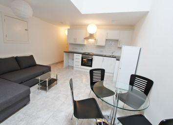 Broadstone Road, Heaton Chapel, Stockport, Manchester SK5. 1 bed flat