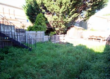 Thumbnail 6 bed terraced house to rent in Plashet Road, East Ham, London