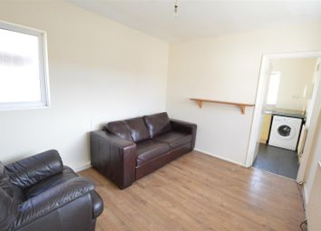 Thumbnail 4 bed flat to rent in The Post Office Flat, Villiers Road, Slough