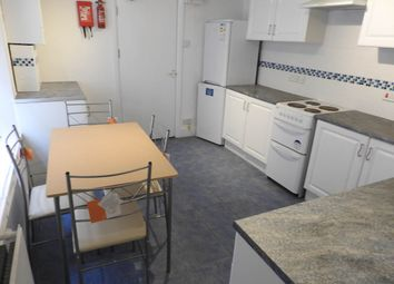 Thumbnail 1 bed flat to rent in Brooklands Terrace, Ffynone, Swansea