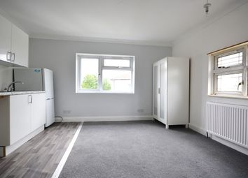 Room to rent in Ladywood Road, Tolworth, Surbiton KT6