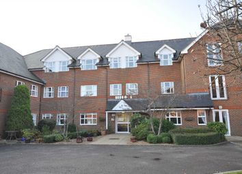 Thumbnail 2 bed flat for sale in Dean Street, Marlow