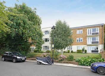 Thumbnail 3 bed flat to rent in Willowmead Close, London