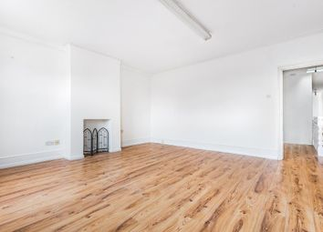 2 bed maisonette to rent in Chessington, Surrey KT9