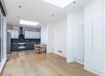 Thumbnail 2 bed property to rent in Holloway Road, London