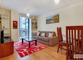 2 bed flat to rent in Southgate Road, Islington, London N1