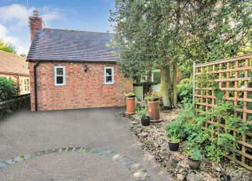 Thumbnail 1 bed detached house to rent in Drake Street, Welland, Malvern