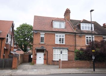 2 bed flat to rent in Bath Road, London W4