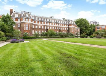 Thumbnail 2 bed flat to rent in Rosebery Avenue, London