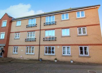 2 bed flat to rent in Bridge Road, Wickford SS11