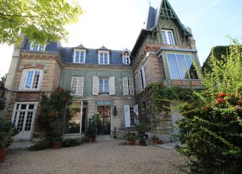 Thumbnail 7 bed property for sale in 3 Rue Des Fossés, 60200 Compiègne, France