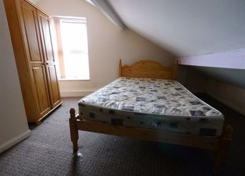 2 bed property to rent in Burley Lodge Road, Hyde Park, Leeds LS6