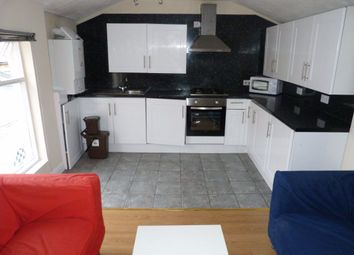 3 bed flat to rent in City Road, Cathays, Cardiff CF24