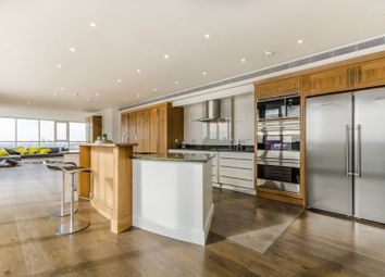 Thumbnail 4 bed flat for sale in Eaton House, Canary Wharf