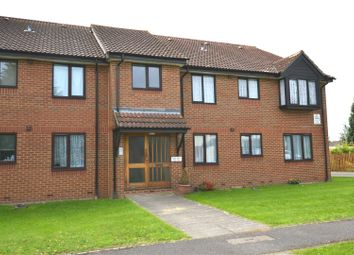 Thumbnail 1 bed flat to rent in Broadlake Close, London Colney, St. Albans