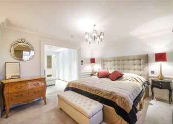 2 bed maisonette to rent in Warwick Avenue, Little Venice, Maida Vale, London W9