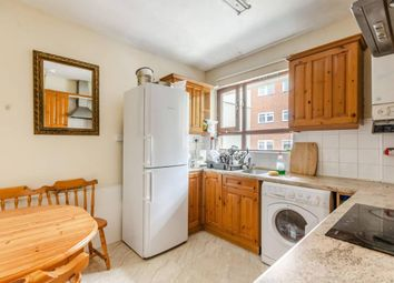 Thumbnail 4 bed flat to rent in Cromer Street, London