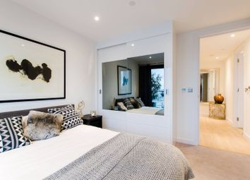 Thumbnail 1 bed flat for sale in Horizons Tower, Canary Wharf
