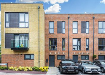 Thumbnail 4 bed property to rent in Pipit Drive, Putney