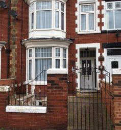 Thumbnail 4 bedroom terraced house to rent in 16 Lawn Road, Doncaster