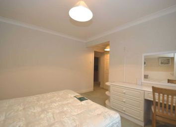 Thumbnail 2 bed flat to rent in Regency Crescent, Hendon