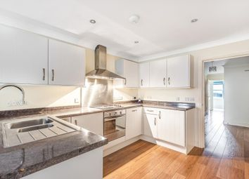 3 bed flat for sale in Newbury, Berkshire RG14
