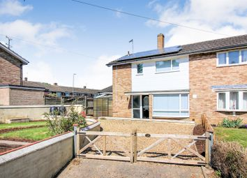3 bed property to rent in Oakfield Road, Aylesbury HP20