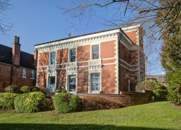Thumbnail 4 bed flat to rent in Brooklands House, Leamington Spa