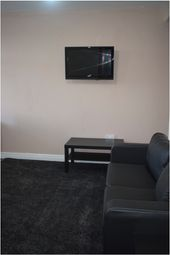 Thumbnail 1 bed flat to rent in Bolton Road, Bradford City Centre
