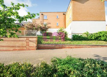 2 bed flat to rent in Kendal, Purfleet RM19
