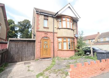 Thumbnail 3 bed detached house to rent in Avenue Grimaldi, Luton