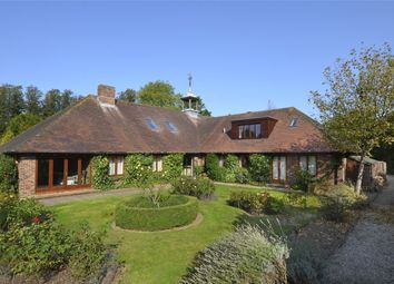 The Street, Walberton, Arundel, West Sussex BN18. 4 bed detached house