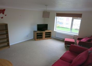 Thumbnail 2 bed flat to rent in Burghfield Road, Reading