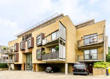 Thumbnail 2 bed flat to rent in Woodlands Crescent, Greenwich