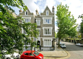 Thumbnail 2 bed flat for sale in Lonsdale Square, Barnsbury