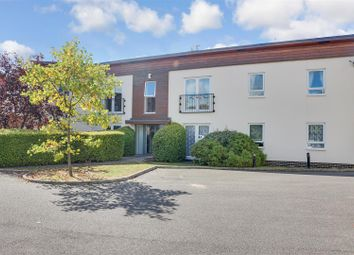 2 bed flat for sale in Priorywood Drive, Leigh-On-Sea SS9
