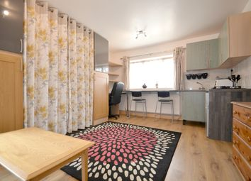 Thumbnail Studio to rent in Browning Avenue, Hanwell