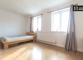 Thumbnail Room to rent in Bowes Road, London