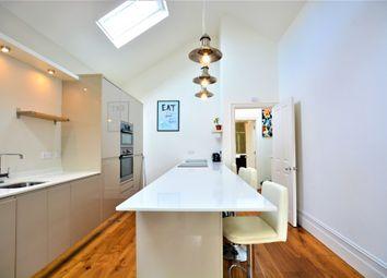 3 bed maisonette to rent in Sillwood Street, Brighton BN1