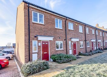 3 bed end terrace house to rent in Chappell Close, Aylesbury HP19
