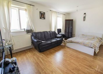 Room to rent in Ballinger Way, Northolt, Middlesex UB5