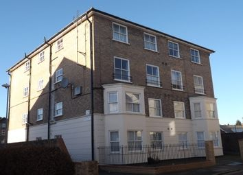 Thumbnail 2 bed flat to rent in The Avenue, Bedford