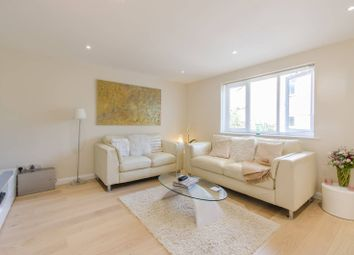 Thumbnail 4 bedroom property for sale in Severnake Close, Canary Wharf