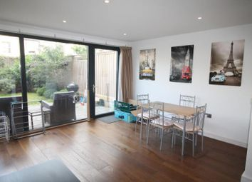 3 bed maisonette to rent in Hawthorne Crescent, Greenwich SE10
