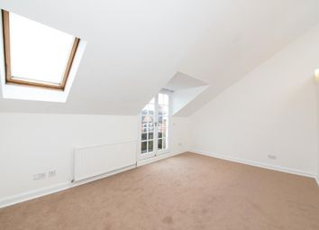 Thumbnail Studio to rent in Dresden Road, Archway, London