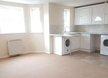 2 bed flat to rent in Bullar Road, Southampton SO18