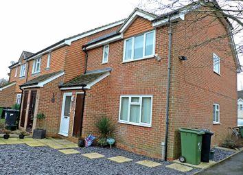 Thumbnail 2 bedroom flat to rent in Summerfields, Chineham, Basingstoke