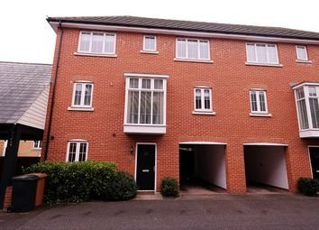 Thumbnail 4 bed town house for sale in Ruby Link, Great Baddow, Chelmsford